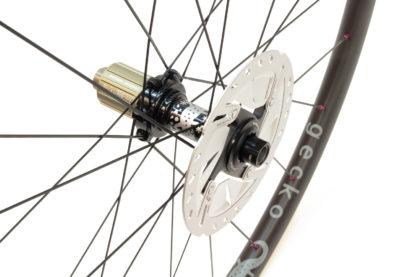 Gecko carbon wheels