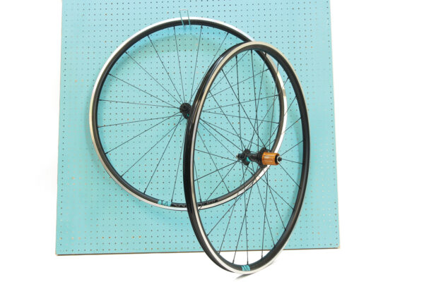 Lark 18 light wheelset J-bend – instock