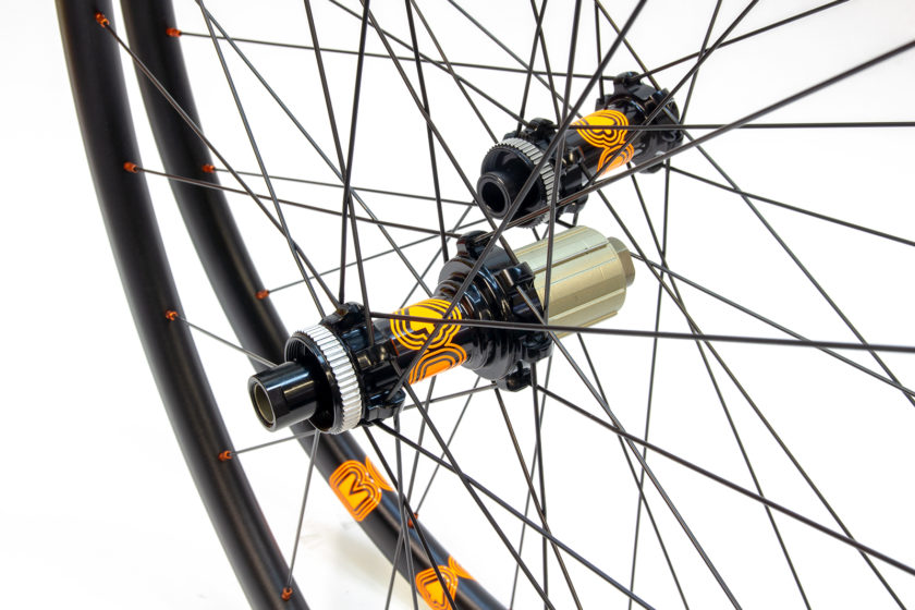 Map wheels with Centre-Lock straight pull hubs