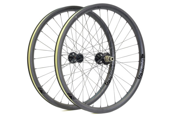 Traildog Enduro carbon 27.5″ wheelset ex demo