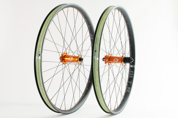 (used) Classic Fat hubs built onto WTB Asym i35 rims 27.5″